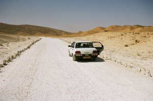car_in_the_desert