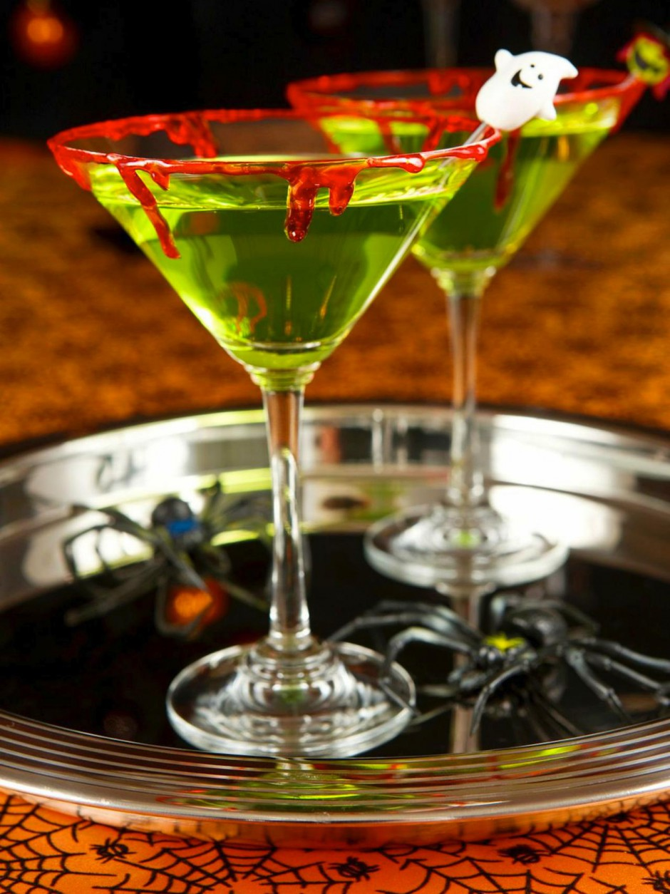 Original_Andrea-Correale-Halloween-Cocktails-Zombie-Slime-Shooters_v.jpg.rend.hgtvcom.1280.1707