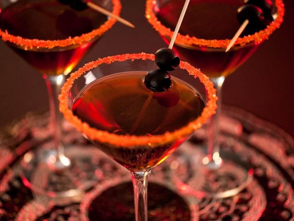 original_FL-Halloween-Cocktail-Black-Devil-Martini_s4x3.jpg.rend.hgtvcom.1280.960